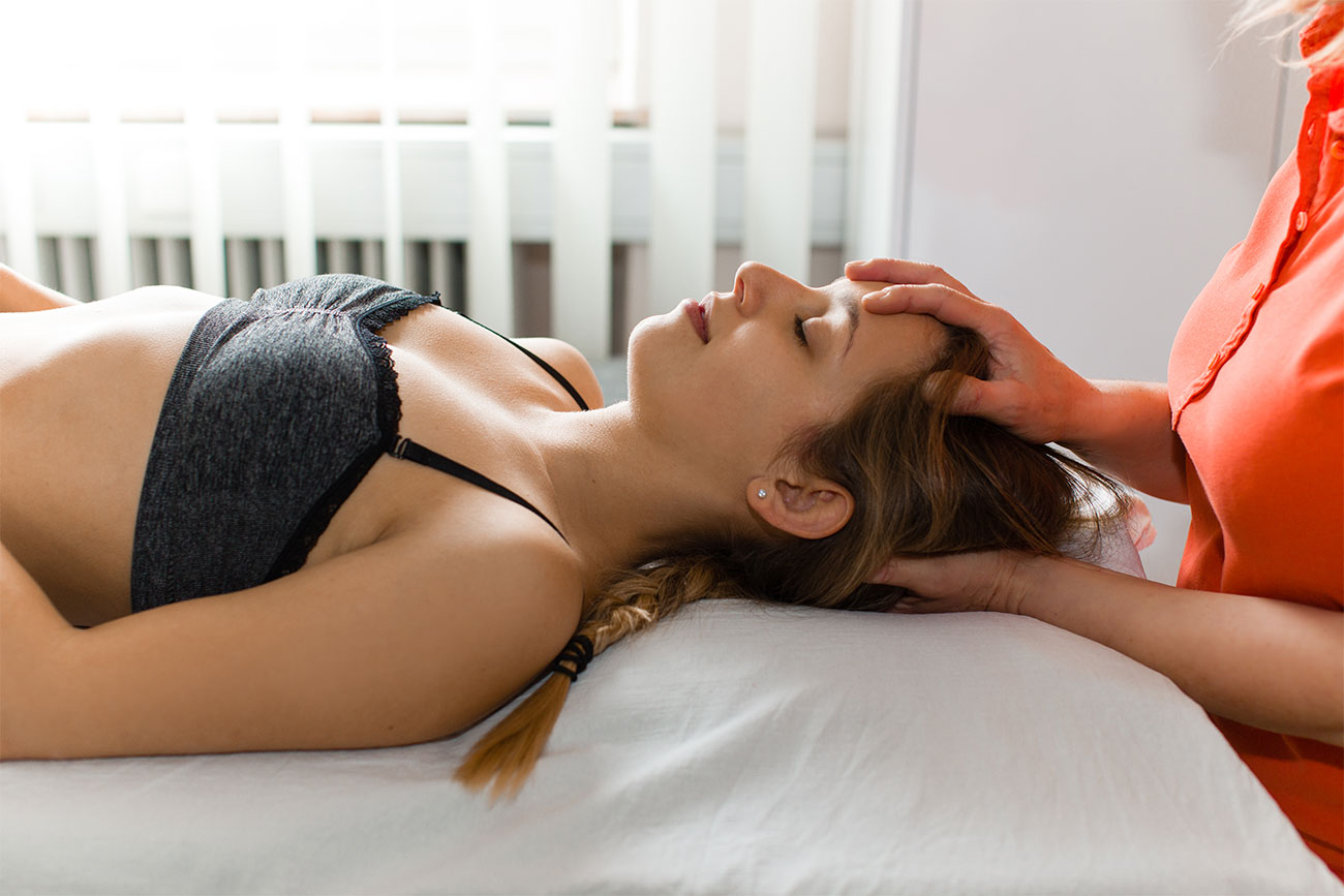 Cranio-Sacrale-Therapie bei Physiotherapeutin Angela Maier - in der Physiopraxis in Salzburg